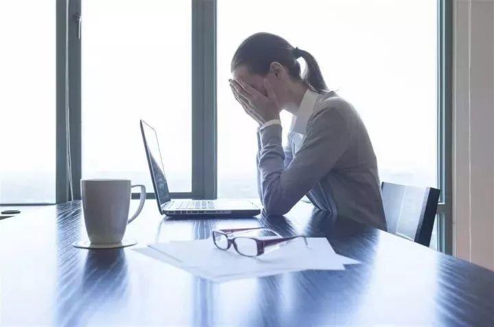 21岁女生出现更年期症状,只因…她这个习惯很多人都有!